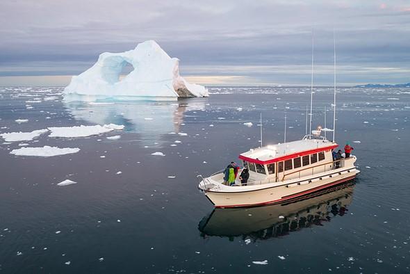 格陵兰典型的Targa快艇。没有真正舒适的起飞或降落的地方,但是有足够的空间可以从飞行员(或其他人)的手上进行。