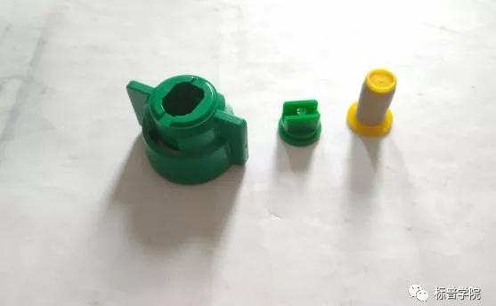 保养药液直接接触的喷洒系统