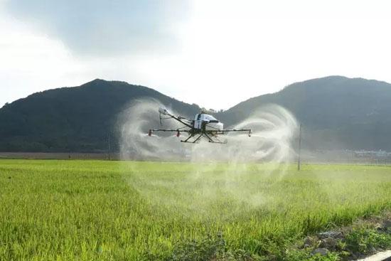 植保无人机专用农药通过无人机喷施