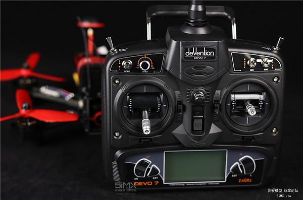 F215搭配的也是华科尔DEVO 7遥控器。