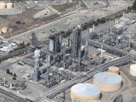 监控无人机作用于石油和天然气管道