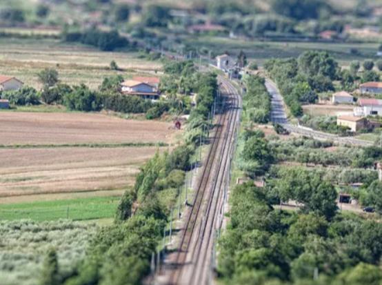 监控无人机用于铁路监控