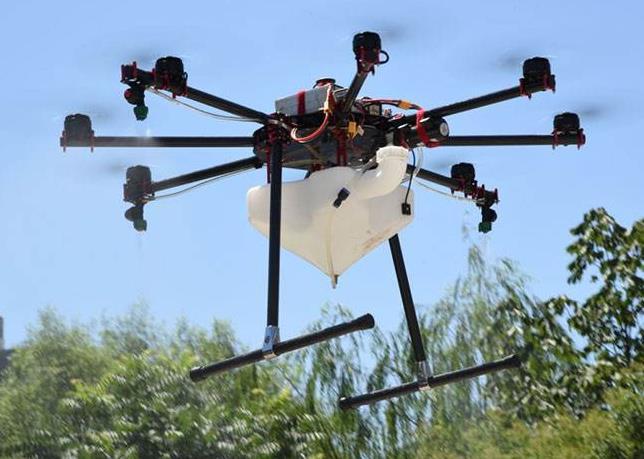 植保无人机精确的将农药喷施到整株作物