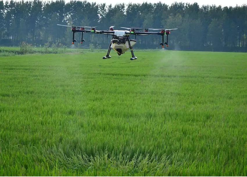 农业植保无人机给农民带来的好处