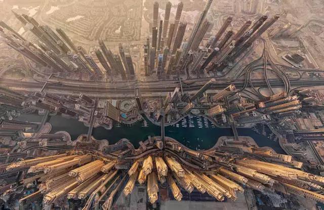用无人机展现全球10个美丽城市
