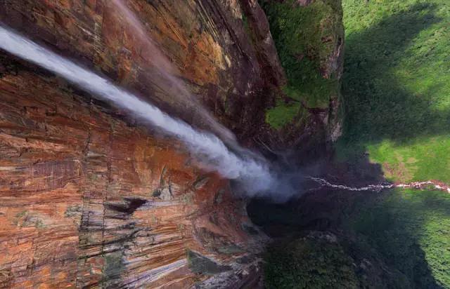 安赫尔瀑布从全景图上更显壮丽非凡