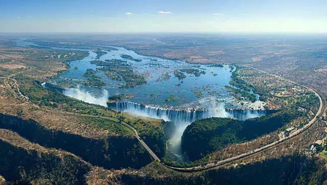 赞比亚的维多利亚瀑布