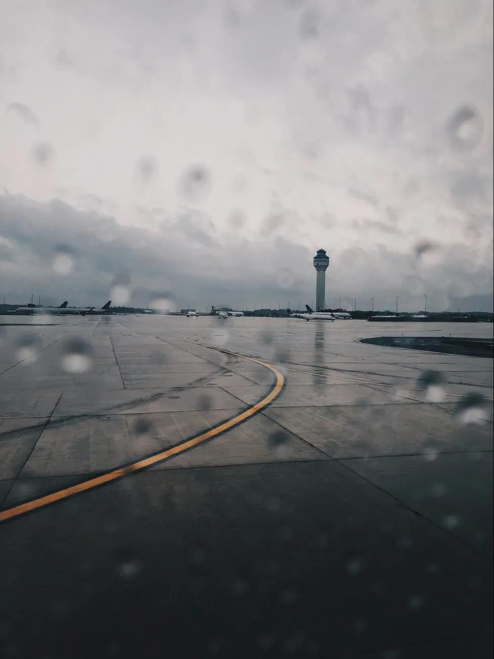 雷雨天气威胁飞行安全