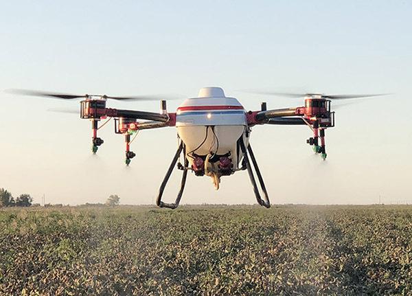 农用无人机棉花落叶剂喷洒