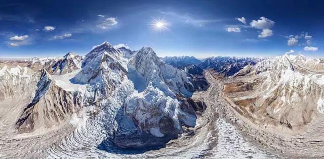 世界最高珠峰的全景图