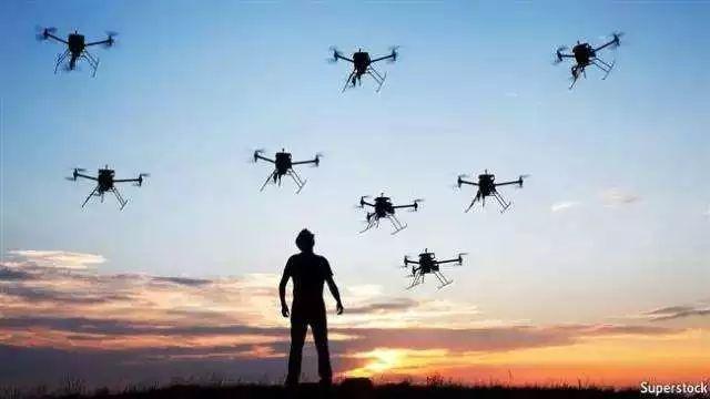 无人机上搭载声呐探测设备