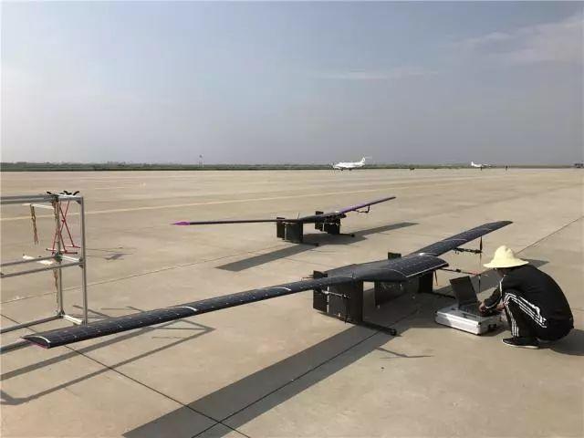 中国一高校研发出太阳能WIFI无人机