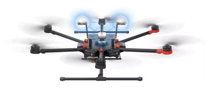 DJI 大疆创新首创将双天线测向技术应用到无人机 RTK 定位技术上