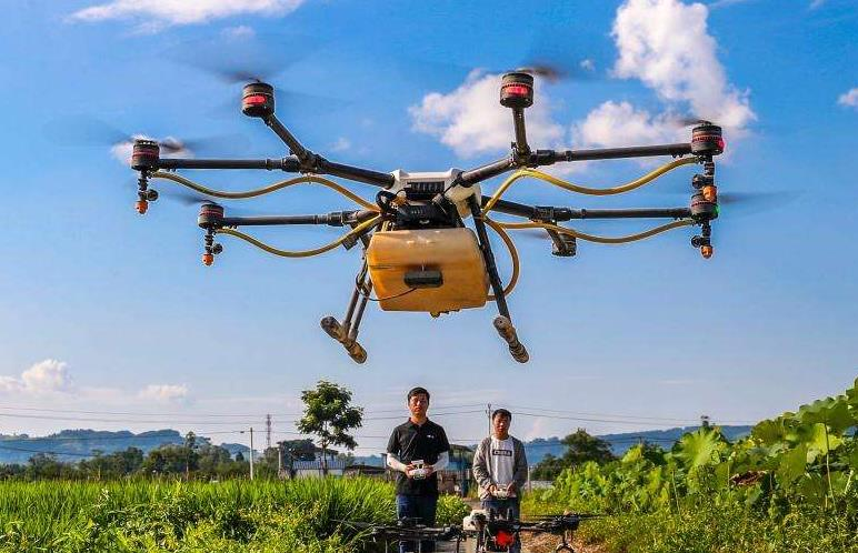 「植保无人机」无人机喷施叶面肥注意