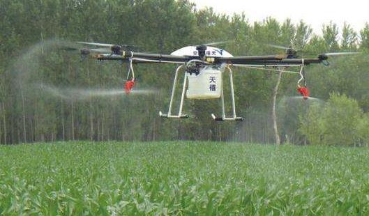 农业植保无人机采用喷雾喷洒方式至少可以节约50%的农药使用量