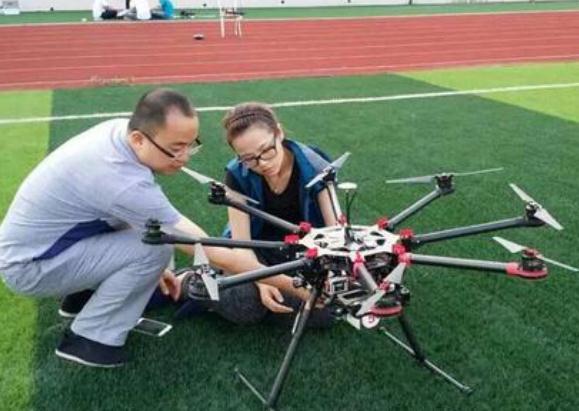 深圳无人机培训2017年全球鹰报考攻略