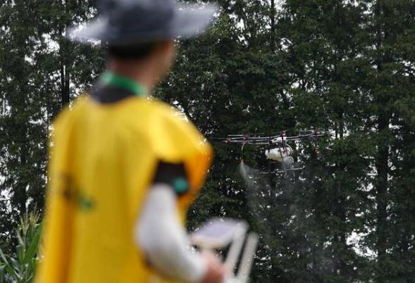进行水稻实地飞防项目比赛。