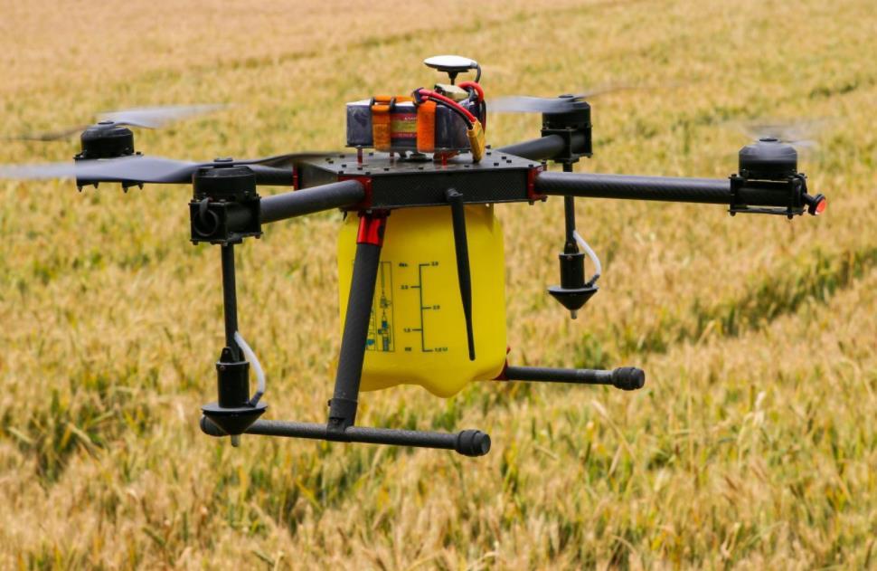 扩大无人机等农机新产品补贴试点。