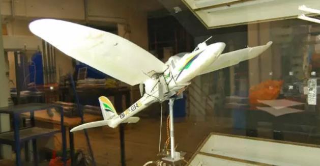 一种像鸟儿一样着陆的无人机