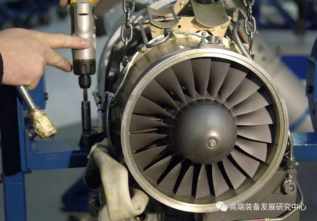 寿命在200~300小时的廉价发动机