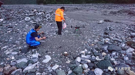 花莲县无人机救援沙洲被困钓客