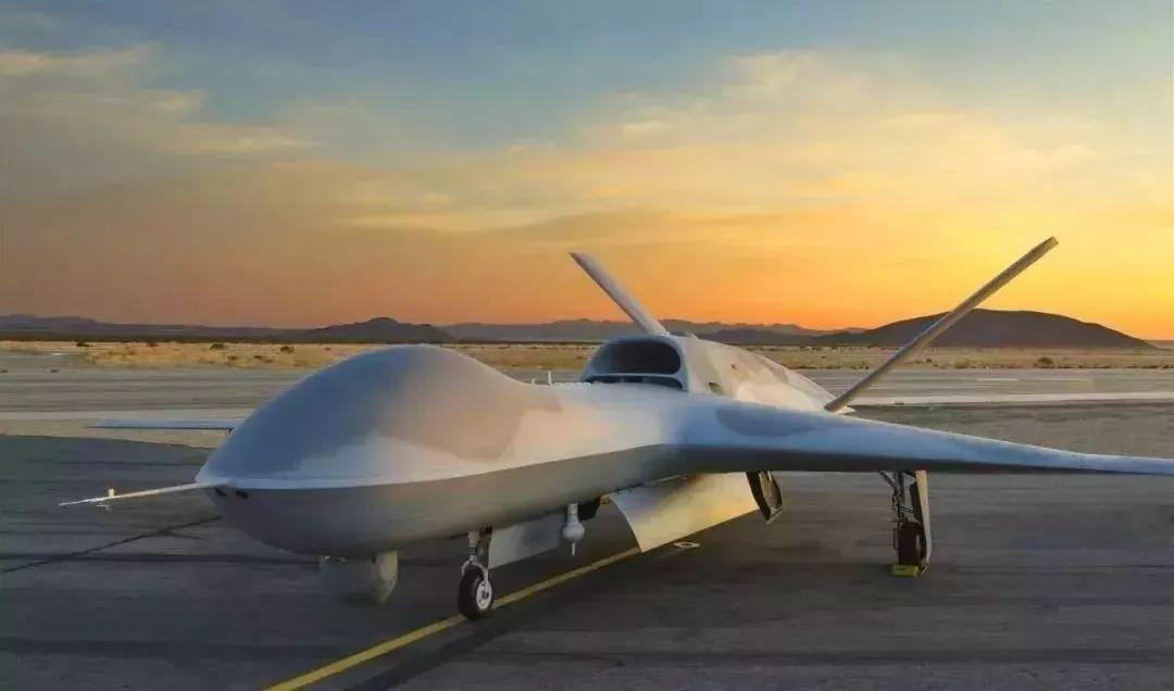 """""""复仇者""""(Avenger)无人机是一款长航时、中高空、强隐身性、遥控无人飞行系统"""