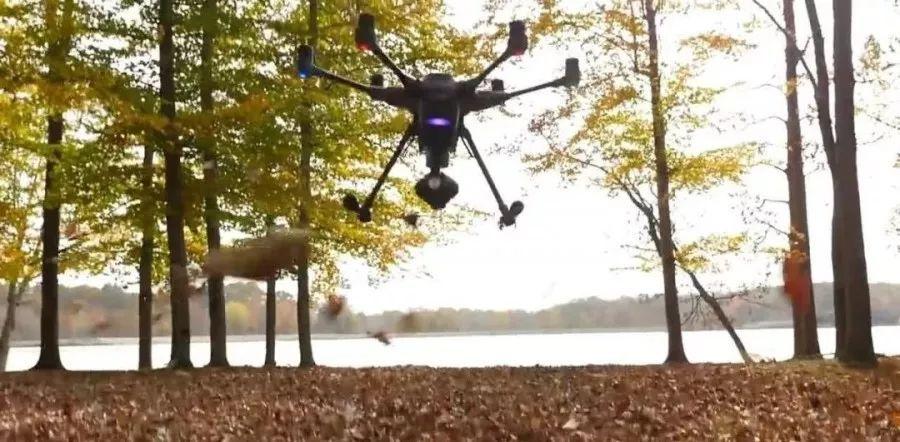 无人机自主躲避障碍物的智能技术