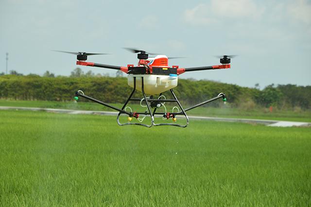 植保无人机防治水稻病虫害
