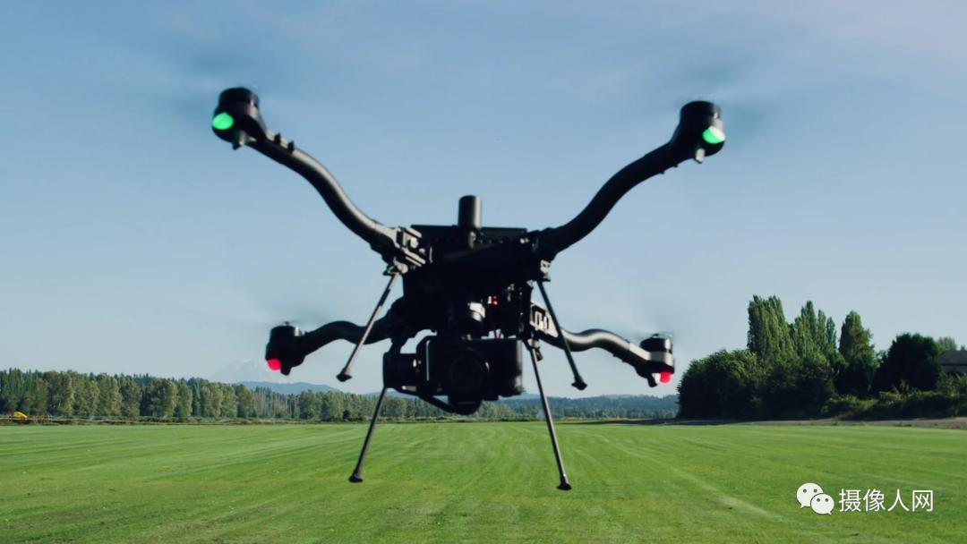 Freefly与著名的瑞士Auterion公司共同开发了这款无人机