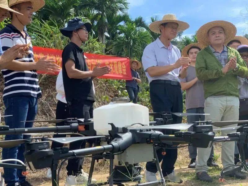 我国农业无人机在果树飞防上的应用