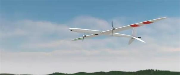 平飞阶段机翼恢复到与机头方向一致