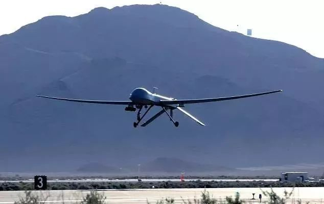 辅助无人机降落于静平台