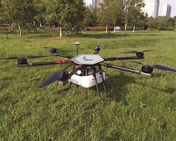 植保无人机是大面积作业时效率更高、优势更明显。