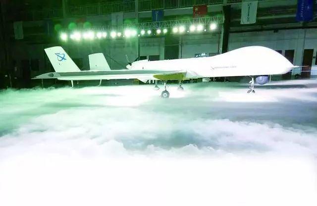 """""""天鹰""""无人机最大武器搭载量超过300千克"""