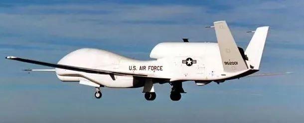 """RQ-4A""""全球鹰""""是由诺斯罗普•格鲁门公司生产的,是美国空军乃至全世界最先进的无人机"""