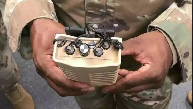 自动开始干扰无人机的控制信号