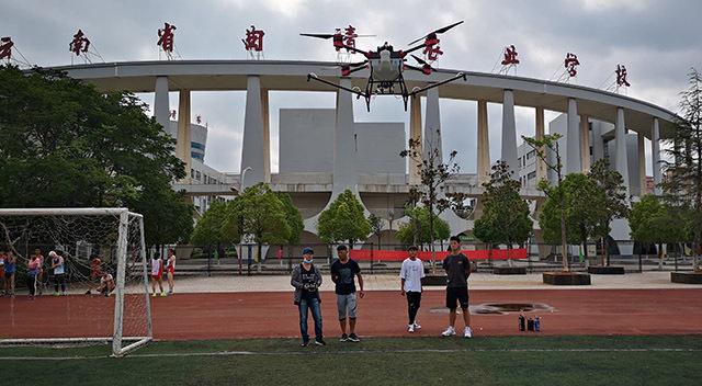 一定要将无人机飞防植保技术在马来西亚推广