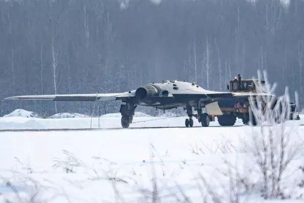 俄军第6代隐身无人机