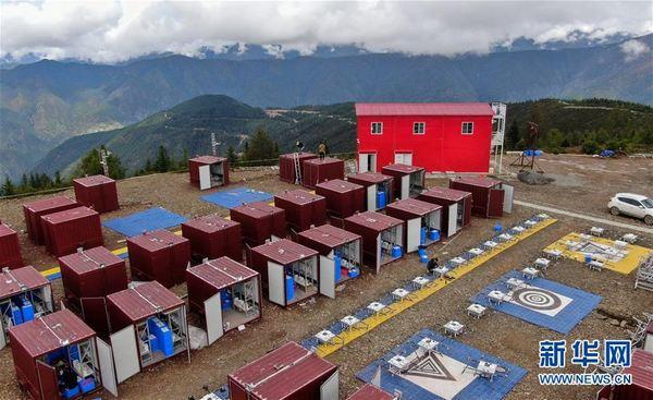 俯瞰海拔4120米的雅江县帕姆岭寺顺丰无人机雅江运营基地