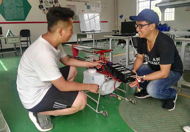 将无人机植保技术带回马来西亚