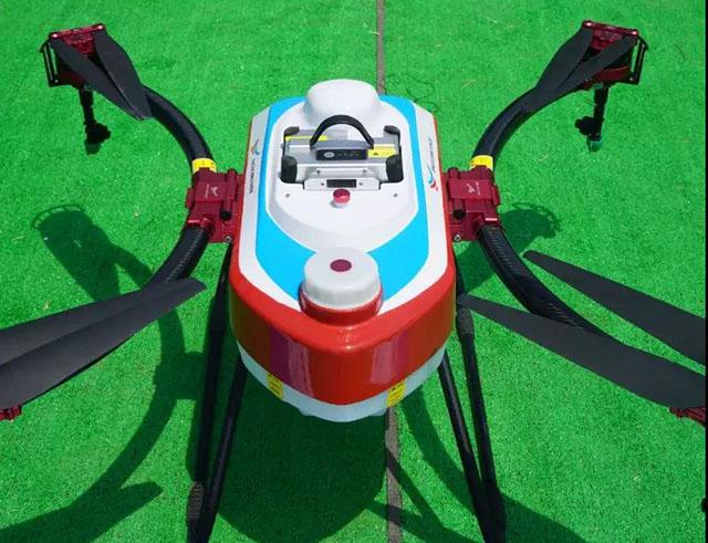 全国的22支植保无人机团队在40度高温里连续2天室外赛场角逐