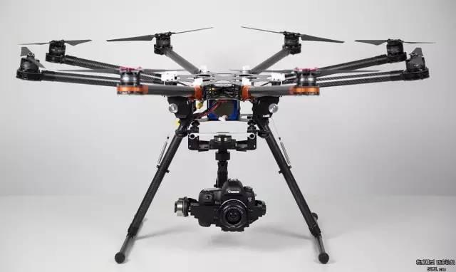 无人机=航模+飞控