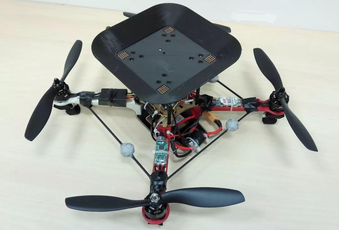 飞行电池的工作原理