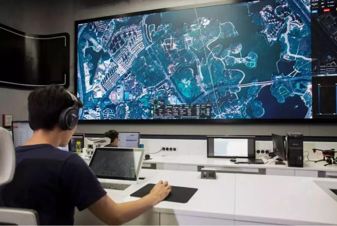 中外运-敦豪携手亿航发布国内首个全自动智能无人机物流解决方案