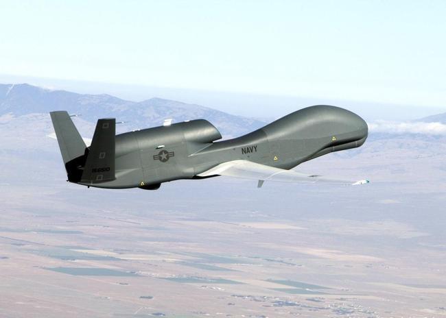 无人机集群技术应用到军事领域,该是怎样一幕壮观的景象?