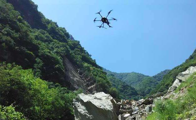 现代化无人机航测技术具有宽泛的使用条件和广阔的应用前景,该技术在矿山测绘中具有明显的优势