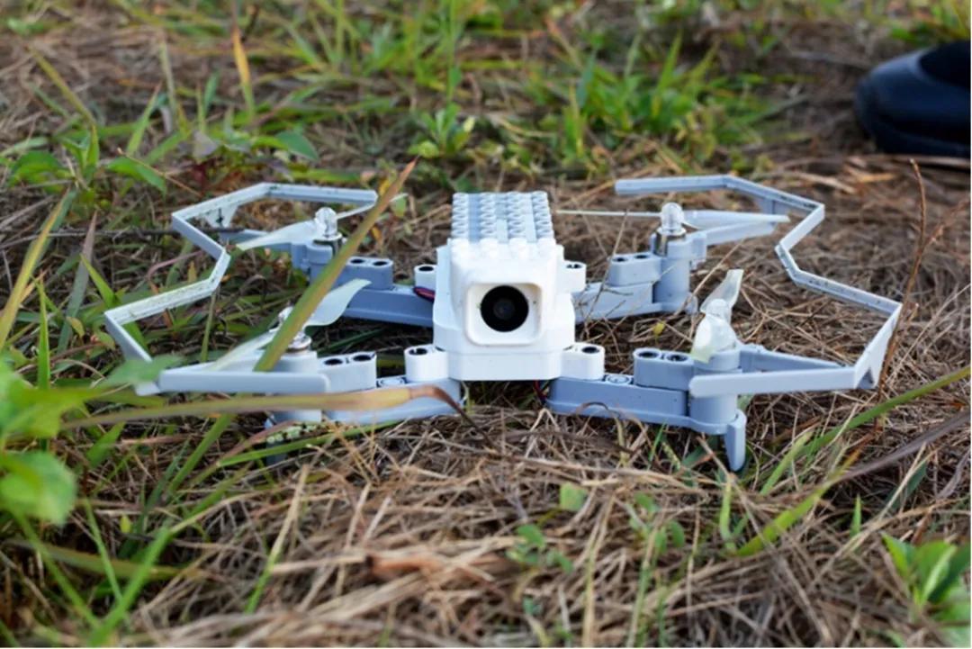 教学无人机测评:一款面向青少年的益智飞行器