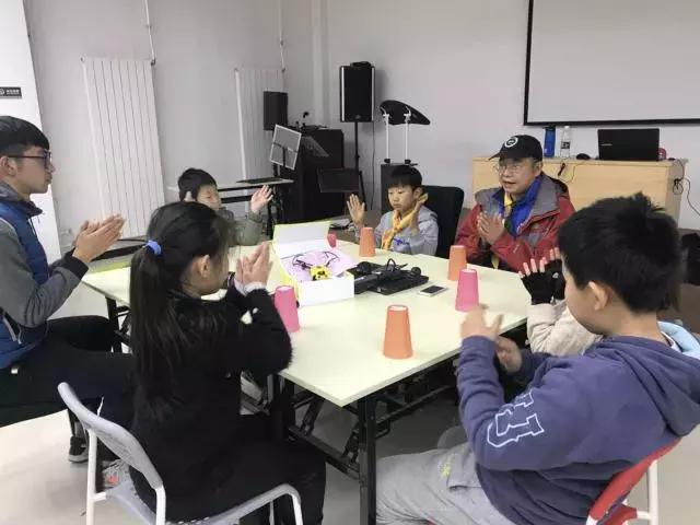 无人机编程-让孩子在玩中学习无人机的编程!