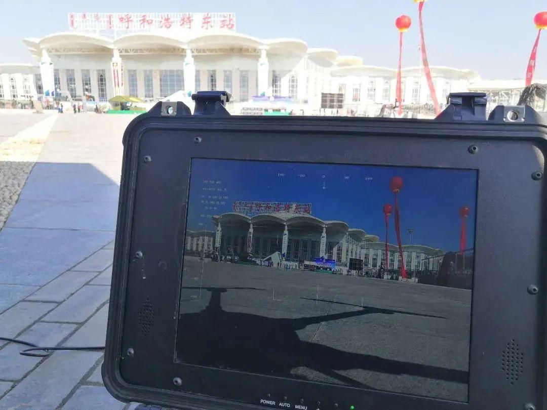 慧明捷无人机在此次演练过程中从高空视角将演练现场视频清晰连贯的回传至应急指挥车,画面清晰连贯无卡顿