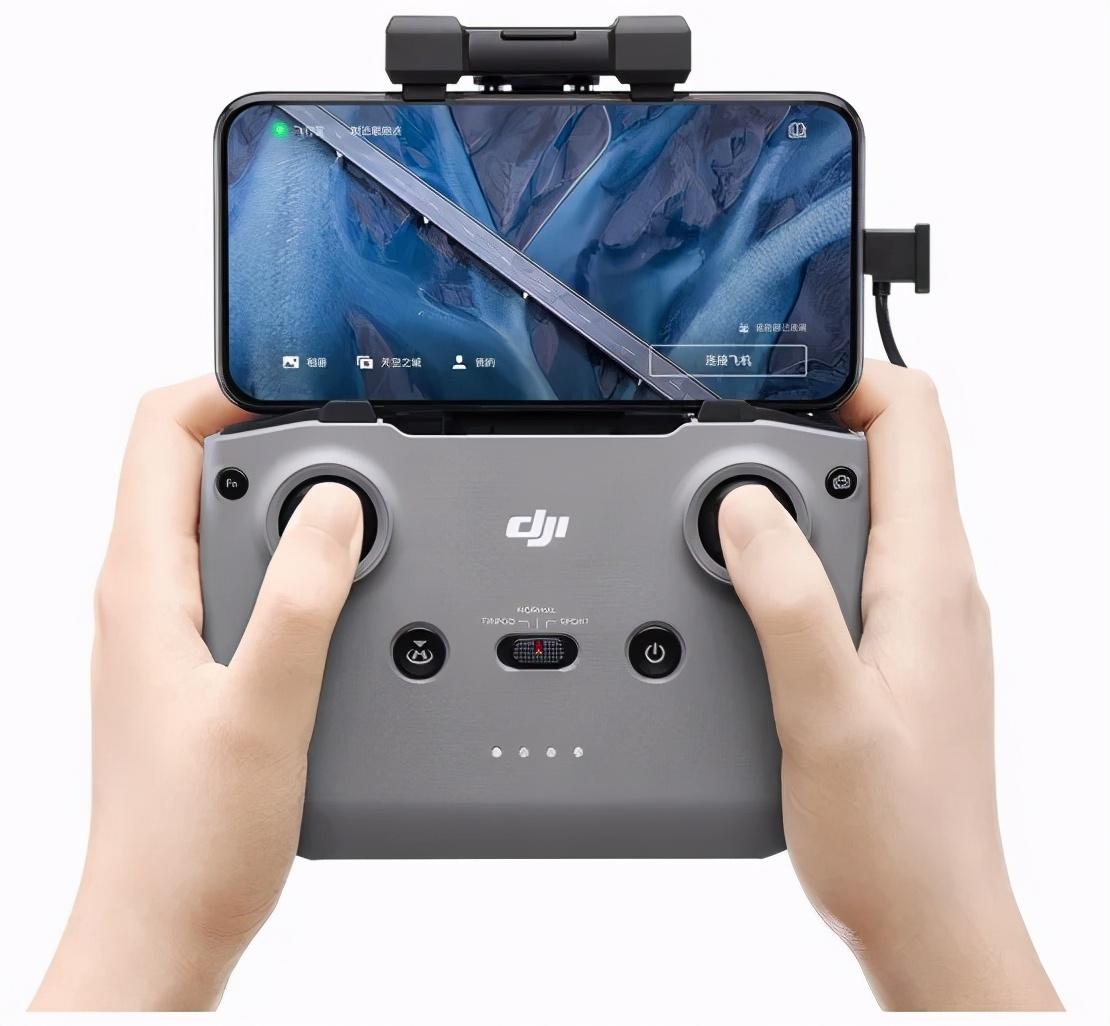 为什么要入手3988的 DJI 带屏遥控器,自己的手机不香吗?